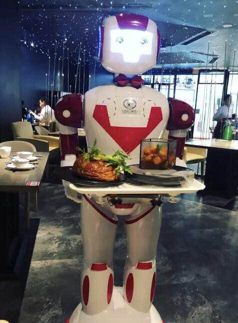 (修改版)虎牙美食女神主播探店上海机器人餐厅 解锁机器人上菜新姿势!(1)130.png.png