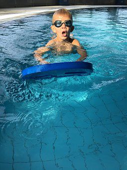 swimming-1718534__340.jpg