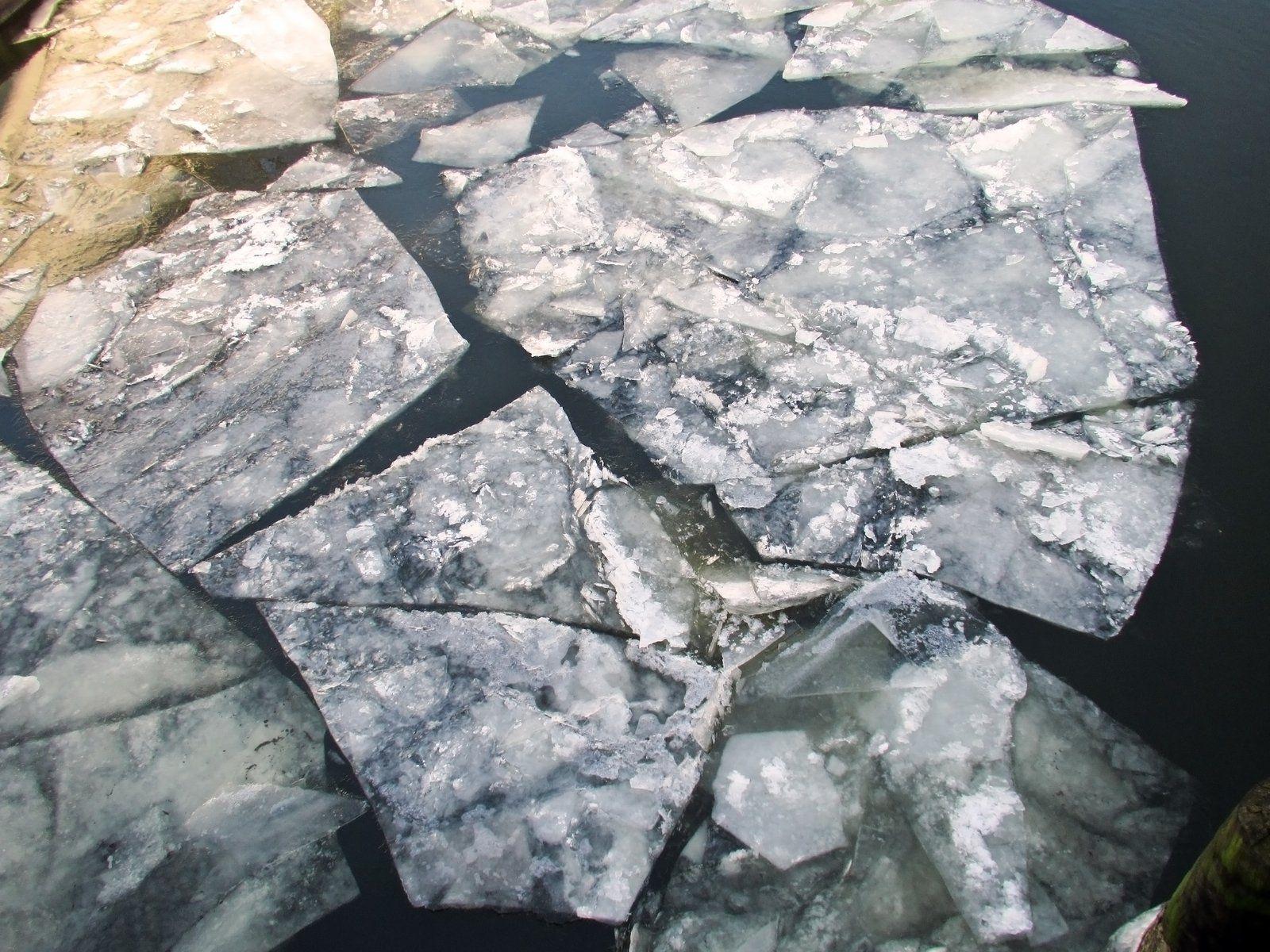 sheet-of-ice-2-1144765.jpg